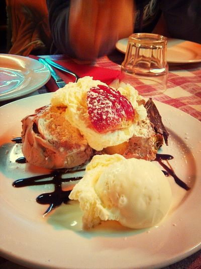 sticky date pudding with cream and ice cream! Yummy♡ Foodphotography Dessert... Mmmmm Yum Yum  Time For Dessert!