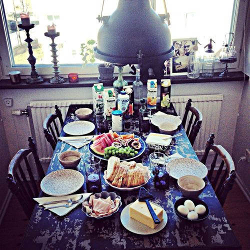 Breakfast with lovely friends, if they wake up after the hard party to the early morning in Stockholm! ?