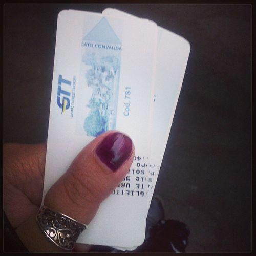 Trovare due biglietti per la Metro nuovi nella giacca dismessa in primavera! Yay Colourmyseptember Blue igerstorino gtt