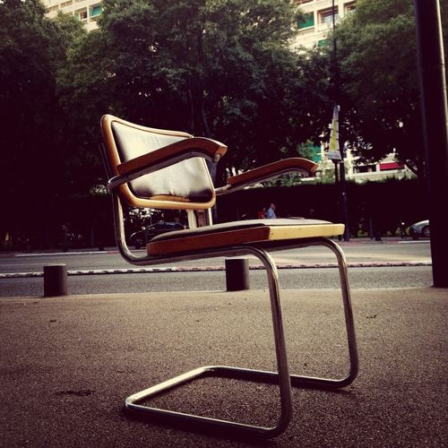 Vintage Chair Lecorbusier Street