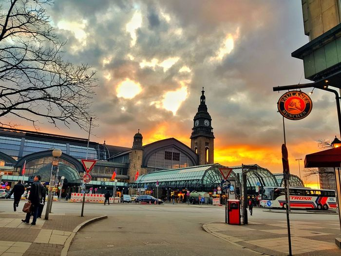 Hamburg Samsungphotography Toomuchediting Sunset City Cityscape Multi Colored Sky Architecture Building Exterior Built Structure