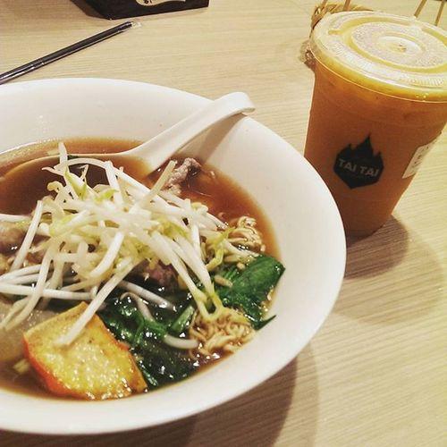 想念泰國味可來這!!好道地 20150821 泰式奶茶 船麵 Thaifood