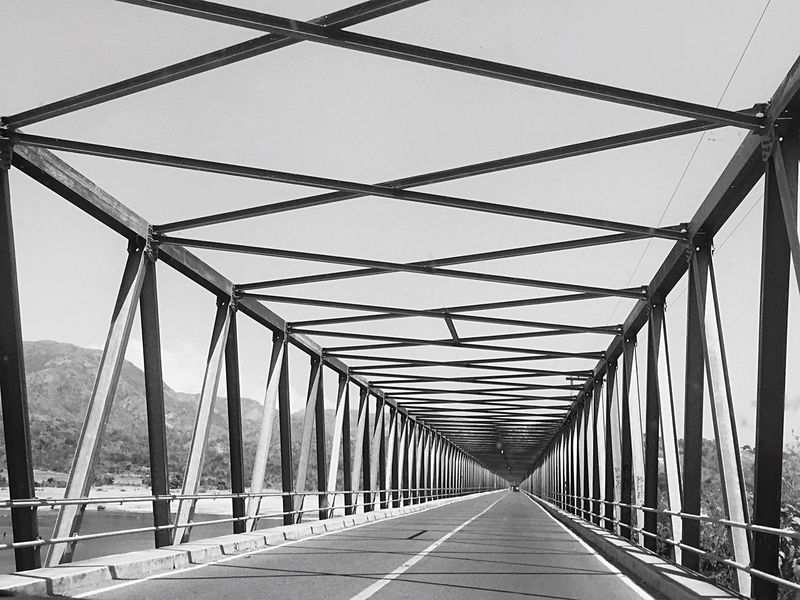 Bridge structure The Way Forward Bridge - Man Made Structure Transportation Diminishing Perspective Connection Road Day Built Structure Architecture Outdoors Sky