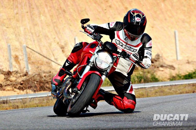 Ducati Track&Party thx ducati chiangmai staff for the nice picture :) Ducati Ducatimonster Ducatithailand Ducatichiangmai