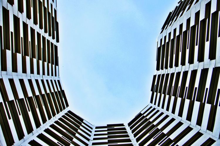 Architecture Built Structure Building Exterior Building Office Building Exterior Low Angle View Office City Outdoors Tall - High Modern Directly Below No People Day Pattern