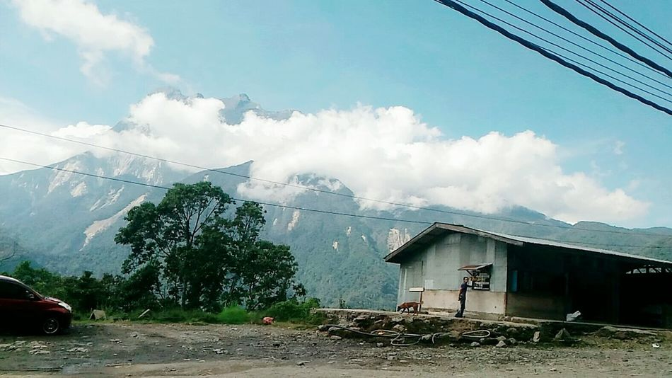 Mount kinabalu.Always in my heart.💗 Mount Kinabalu Mountains Mountain_collection Mountains And Sky Mountains And Valleys Sabah Borneo Sabahtourism Boy And Nature EyeEm Best Shots - Nature EyeEm Mountains Collection EyeEm Mountain Lover EyeEm Sabah Nature Lovers Photography Boy And Dog