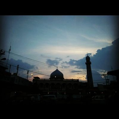 Selamat sore, ayo sholat dulu 🐾🌅🕕 Ayosholat Mesjid Bukittinggi Sorehari Instagood Instadaily Instadaily Instalike Xiaomi RedmiNote Semogakausuka Likeforlike The Great Outdoors - 2016 EyeEm Awards