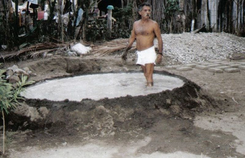 Day Daydreaming Full Length Guatemala Man Man Standing In Mud Bath Mud Mud Making. Native One Outdoors Outdoors Photograpghy  Standing.