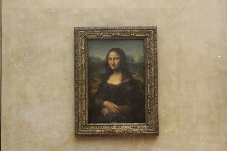 Monalisa_gallary Picture Frame Indoors  Art And Craft Museumlouvre Paris Summer Exploratorium EyeEmNewHere Visual Creativity
