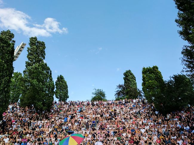 Mauerpark Mauerpark Karaoke Adult Audience Cheering Crowd Day Enjoyment Fan - Enthusiast Joy Large Group Of People Leisure Activity Lifestyles Music Festival Nature Outdoors People Popular Music Concert Real People Sky Spectator Summer Togetherness Tree Watching