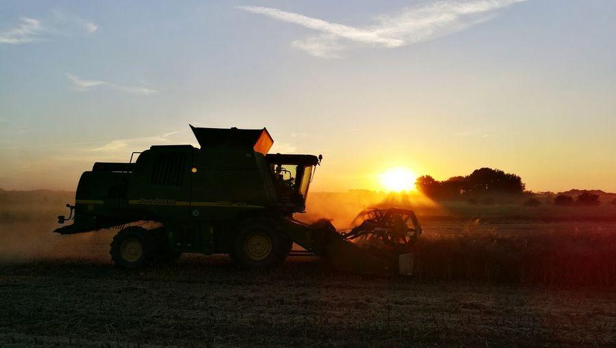 Harvesting John Deere Combine Harvest Time Harvesting Wheat Rasp Field Harvest