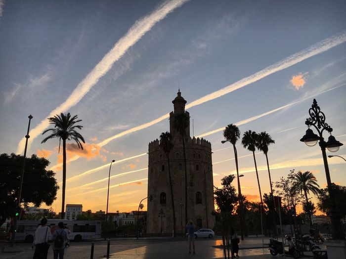 Torre del oro Sunset South
