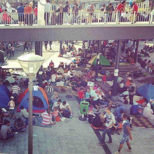 Közel-keleti pályaudvar Migration Migrants Refugees Keleti Keletipalyaudvar Budapest Hungary Syrian Tranzitzone Immigration Immigrant Bevándorló