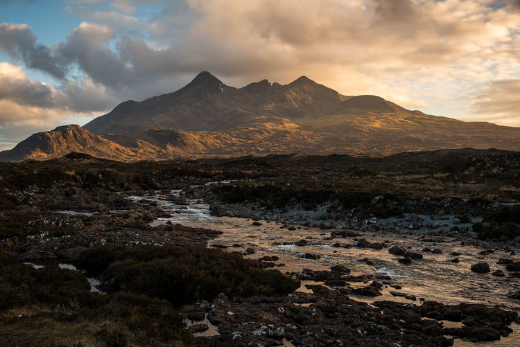 Sligachan, Isle of Skye. A rare one with some sunshine! Mountain Landscape Dramatic Sky Tranquility Sunset EyeEm Best Shots EyeEmNewHere Scotland Landscape_Collection EyeEm Masterclass Dramatic Sky Mountain Peak EyeEm Gallery Sunlight Scotland 💕