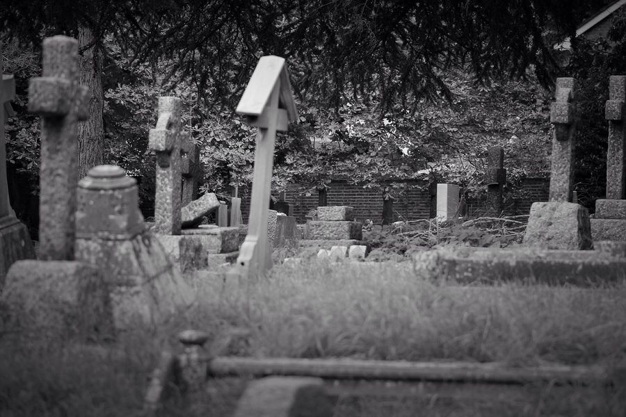 Cemetery Tombstone Graveyard Memorial No People Outdoors Canon Black & White Creative Photography Graveyard Beauty Churchyard Canonphotography Burial Ground South West London