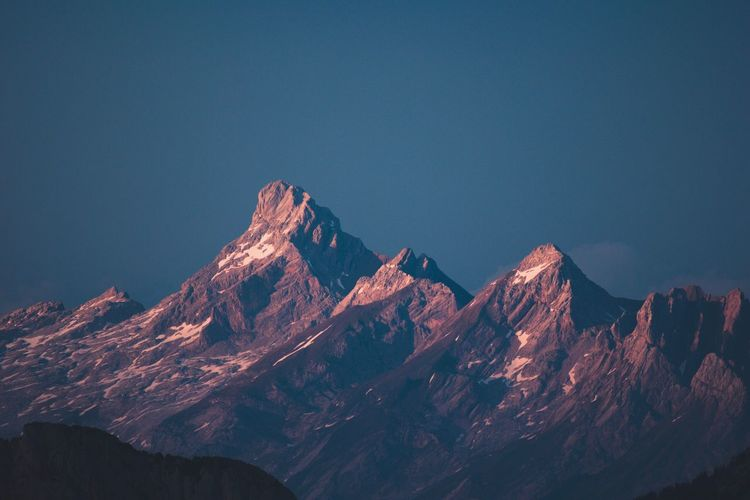 EyeEm Selects Mountain Mountain Range No People Mountain Peak Nature Scenics Beauty In Nature Physical Geography Sunset First Eyeem Photo Tranquil Scene EyeEmNewHere Beauty In Nature Landscape Tranquility Outdoors Snow Day Sky 100 Days Of Summer