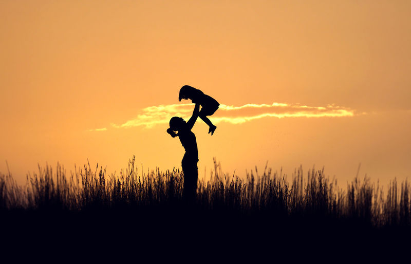 Beauty In Nature Camera - Photographic Equipment Enjoyment Freedom Full Length Fun Idyllic Kid Landscape Leisure Activity Life Lifestyles Love Mother Nature Orange Color Outdoors Scenics Silhouette Sky Success Sunset Tranquil Scene Tranquility Woman Market Reviewers' Top Picks