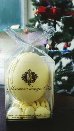 I got some macaron-shape paperclips as my christmas gift! Macaron Christmas Nifty