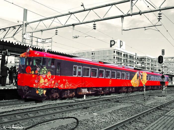 最近、流行りの観光列車🚃 金沢〜和倉温泉を結ぶ「花嫁のれん」 Train Sightseeing Train Train Station Public Transportation Travel Traveling Enjoying Life Japan