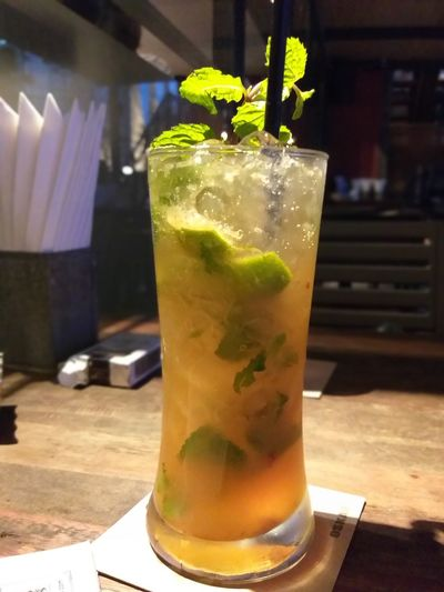 Mojito Mint Leaf - Culinary Tonic Water Cold Temperature Rum Alcohol Drink Cocktail Drinking Glass Leaf