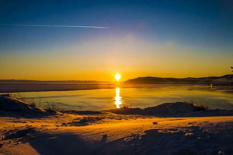 sunset ❤日落Baikal First Eyeem Photo Enjoying Life Jurney China Hello World Baikal Байкал Nsk Snow Day ❄ НГТУ Sunshine Sunset Silhouettes Sun ☀ 有的美景见过了再也不会忘记