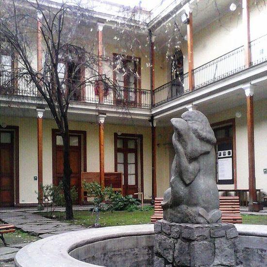 Preciosa casona con patio interior Museodelaeducación GabrielaMistral , Recorriendo Santiagoapie