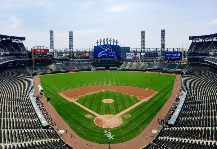 Getting ready to face the Cubs in the CrossTownClassic !!! Chicagocubs Chicagowhitesox Uscellularfield Baseball Americasgame Rivalry North Vs South Gosox Myteam Mlb