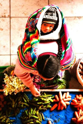 Shify First Eyeem Photo Hello World Catching A Bus Relaxing vendedora,LaPaz-Bolivia
