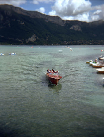 4,5x6 Annecy, France Boat Eau Geschwindigkeit Holga Holga Photography Holga120 HolgaArt Lac Lake Moteur Motorboat Nautical Vessel Schnell See Speed Vitesse Water