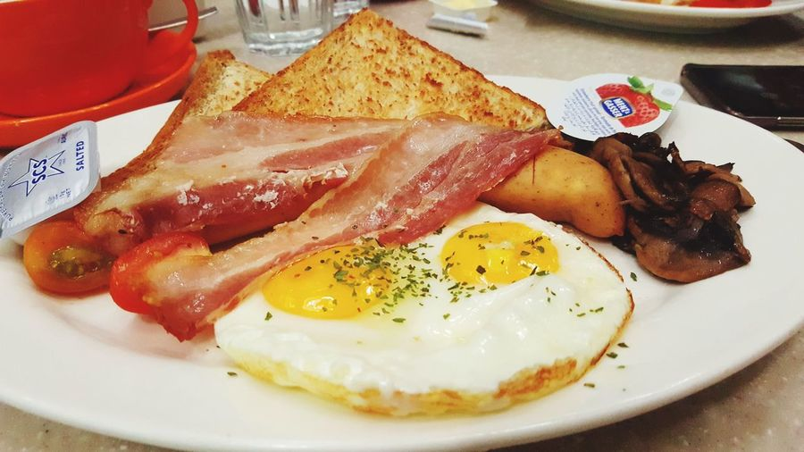 All Day Breakfast Egg Yolk Sunny Side Up Fried Egg Plate Breakfast Bacon Egg Close-up Food And Drink English Breakfast Toasted Bread Egg White