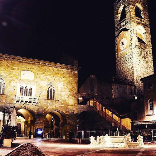 Bergamo by night Bergamo Alta Night Piazza Vecchia Belltower Fountain Square First Eyeem Photo