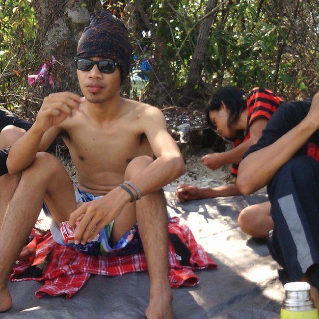 beach Bantenbanget Forest Naturalbeach Beachparty Withfriends Losttimememory Sunglasses Terdampar Pulautarahan Pulau