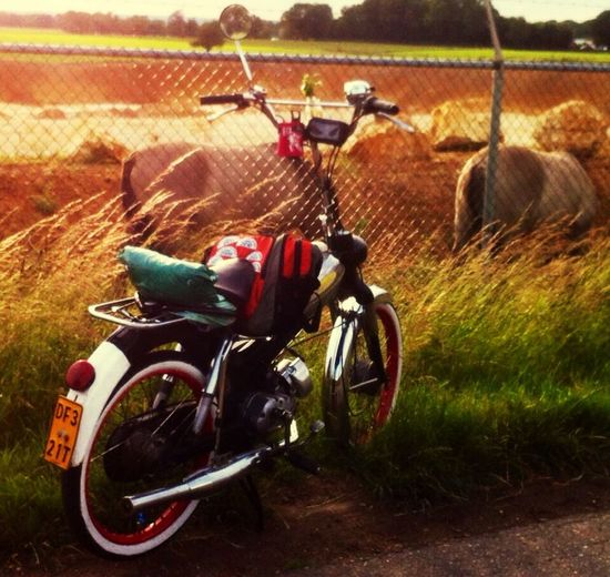 Zuid Limburgs Landschap 't Rooth Puch Brommer Moped Vintage