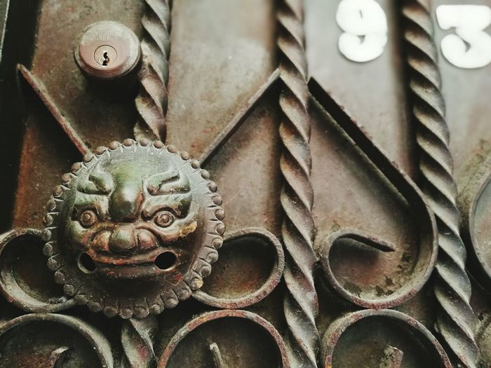 EyeEm Selects Close-up Full Frame Day No People Door Frame Doors With Stories Doorway Gateway Gates Gargoyles Chinese Gargoyle Patterns Everywhere Patterns & Textures An Eye For Travel