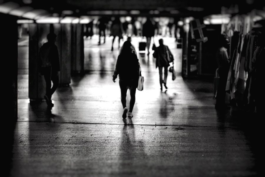 Silhouettes Noir Et Blanc Walk Away Central Station Hamburg Bnw Silhouettes Walking Women Adult Men Full Length Group Of People Real People Lifestyles Rear View City Architecture People Motion Built Structure Transportation City Life The Way Forward Direction Wet Rain The Street Photographer - 2018 EyeEm Awards