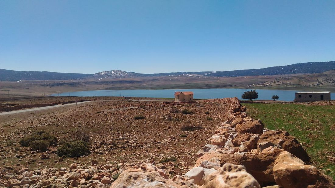 Arid Climate Beauty In Nature In The Middle Of Nowhere Lake Lonely House No People Scenics Tranquility