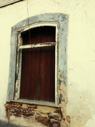 Window Architecture House Built Structure Building Exterior No People Day Close-up Outdoors Old House Doors Lover Doors With Stories Ruins Architecture Ruined Building Oldbuilding Ruins House Naturelovers Old Buildings Ruins_photography Old-fashioned Doorway Architecture Entrance Old Ruin Doors