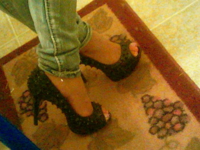 love of my life baught me the cutest pair of heels . <3