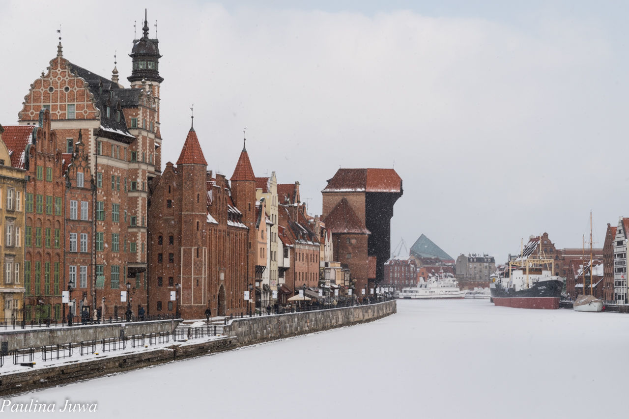 VIEW OF CITY IN WINTER