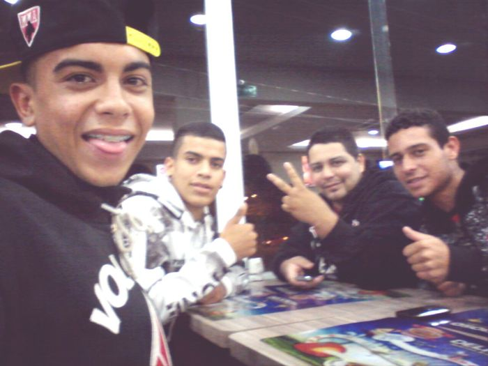 booa noite aee ! enois Brother's