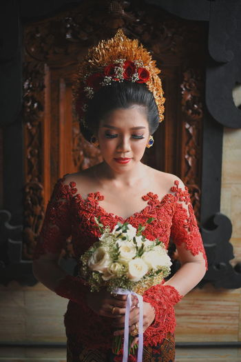 beautiful women Balinese Woman Wedding Ceremony Balinese Culture Period Costume Portrait Beautiful Woman Beauty Females Beautiful People Glamour Women Young Women Smiling Ceremonial Make-up Religion EyeEmNewHere A New Beginning This Is Natural Beauty 50 Ways Of Seeing: Gratitude