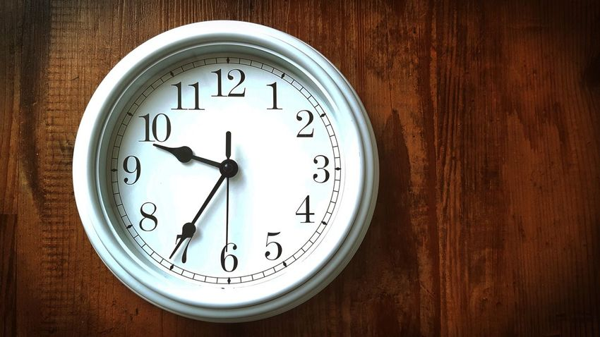 Morgens halb 10 in Deutschland .... Simple Simply The Best Simplicity Clock Time Time For Breakfast  EyeEm Masterclass Wall Clock Digits Numbers Still Life Wooden Floor EyeEm Gallery Taking Photos Shabby Chic Vintage Lieblingsteil