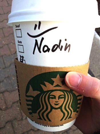 close 😂 Starbucks Coffee auf dem Weg zum Praktikum