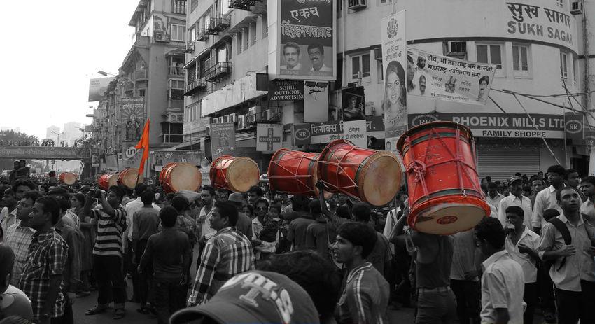 Indian festival Ganapati Visarjan Bhagavadgita Crowed Day Dhol Dholpatak Dholtasha Drum Ganapati Bappa Morya....! Ganpatifestival GanpatiVisarjan Mumbai MumbaiDiaries Outdoors People Puneridhol Traditional Culture Traditional Instruments Visarjan