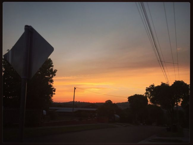 Walking home from Mooroolbark station ☀️🚉☀️🚉☀️🚉☀️ #prettysunset #prettyskies #theskysaworkofart #walkinghome #sunset ☀️☀️☀️ Prettysunset Prettyskies Theskysaworkofart Walkinghome Sunset