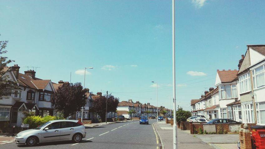 空が綺麗ですねん Sky Road Ilford England🇬🇧