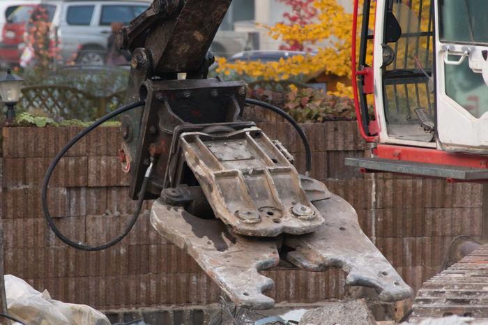 Abbruchschere Abbruchschere Baumaschine Baustelle Arbeit Bedrohlich Closeup Kraft Stark