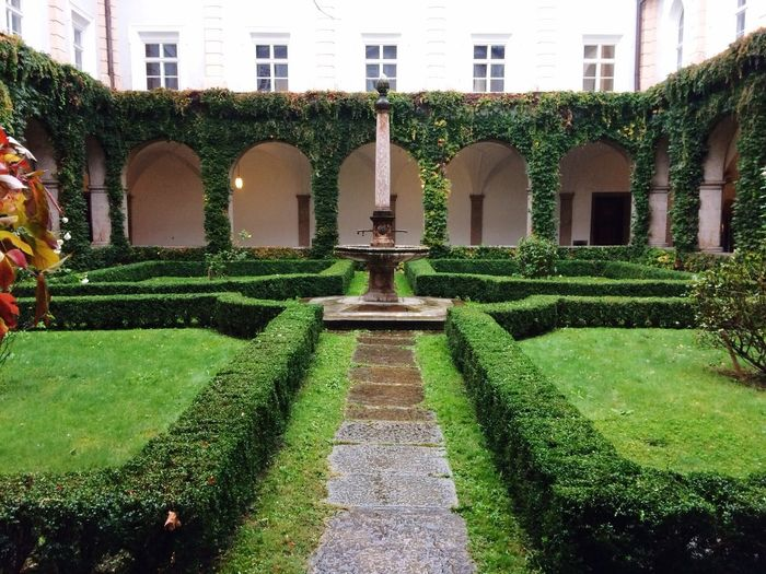 Day No People Architecture Formal Garden Nature Plant Building Exterior Green Color Grass Growth Hedge Topiary Outdoors Garden Path Tree