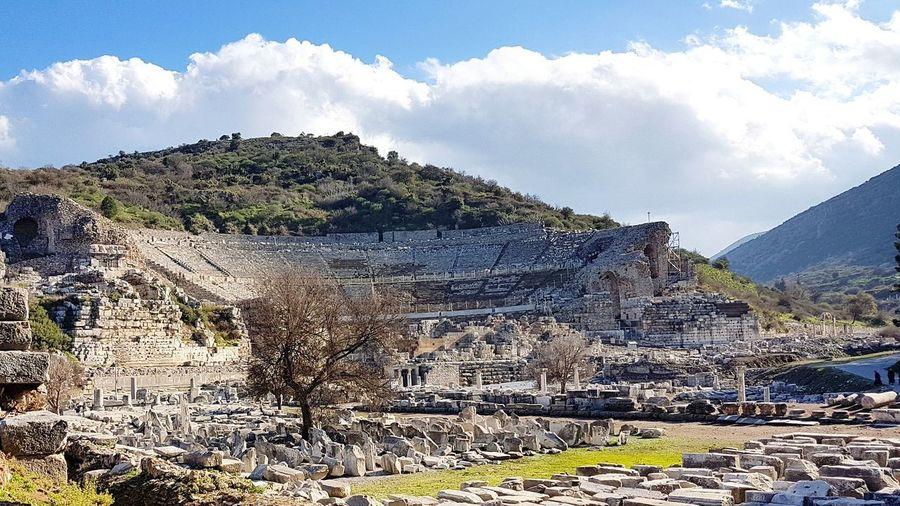 Efes Antik Tiyatro / Ephesus Antique Theater Ephesus Antique Theater Efes Antik Efes Efes Tiyatrosu Antik Tiyatro Mountain Cloud - Sky Outdoors No People Sky Day Nature
