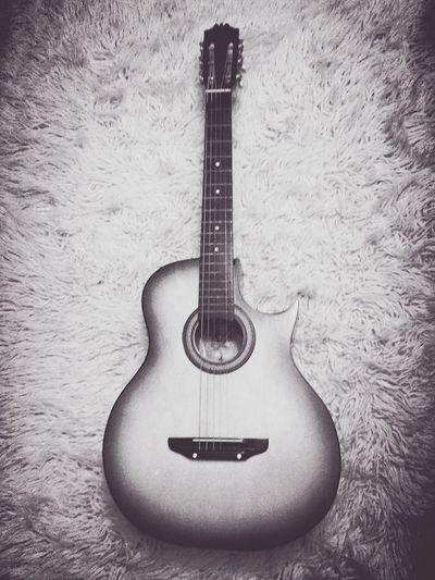 Guitar Love Black&white Taking Photos